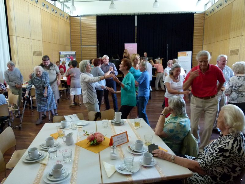 Tanztee am 29.07.2016 im Pfarrsaal Johannes der Täufer, Taufkirchen