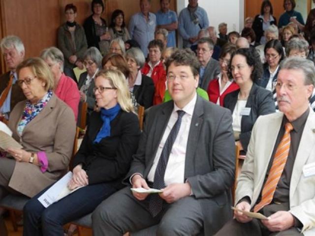 Eröffnung der ersten ambulant betreuten Wohngemeinschaft in Ottobrunn bei München am 16.05.2013